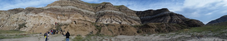 Um dos afloramentos do campo que fiz em Drumheller: sequência de areia, silte e folhelho